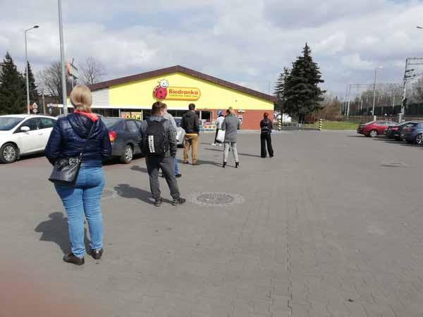 В очереди в супермаркете теперь можно провести 15-25 минут