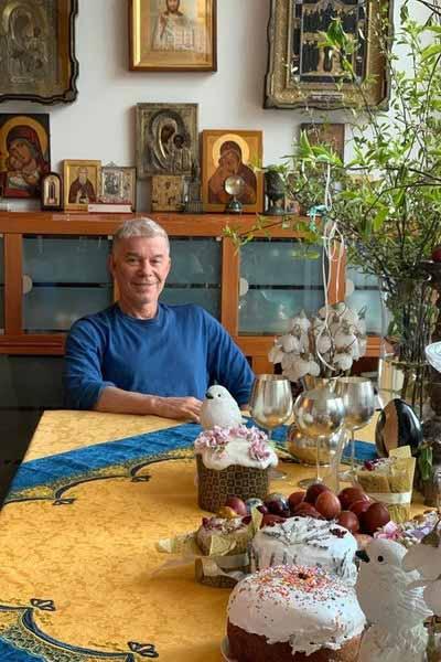 Олег Газманов празднует Пасху со своей семьей