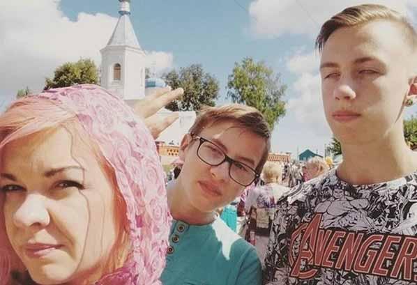 Наталья с сыновьями из Краско