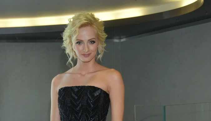 Полина Максимова побрилась перед фанатами