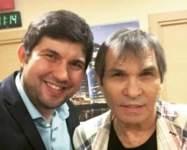 Певец считает, что Бари Каримович попал в больницу из-за своего сына