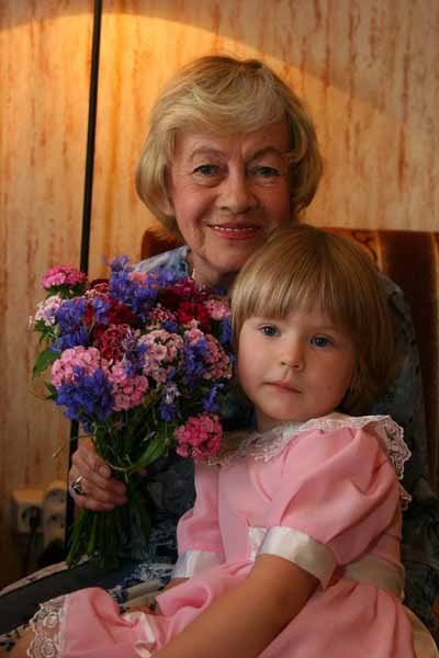 Саша жила с бабушкой почти с рождения