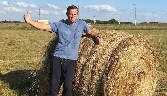 Алексей Навальный кричал от боли в самолете - видео