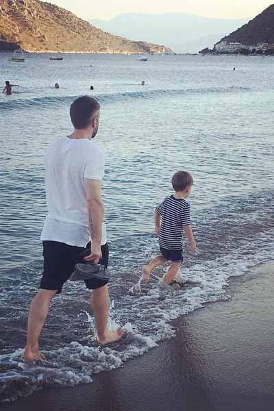 Дмитрий чутко относится к процессу воспитания сына