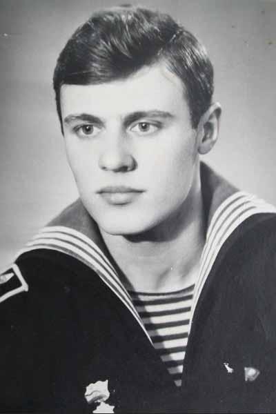 Главным человеком в жизни актрисы был моряк Дмитрий Гагин.