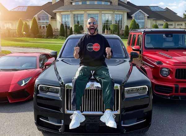 Гасанов любит показывать богатство