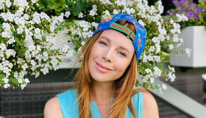 Наталья Подольская перестала прятать беременный живот