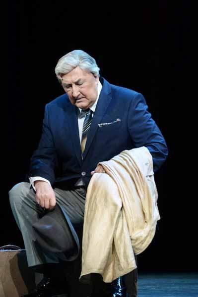 Служба в театре не раз спасала Клюева в самые худшие моменты его жизни