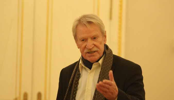Иван Краско вышел в свет с бывшей женой