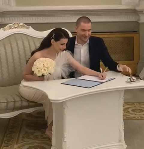 Олег Винник с женой Алексой