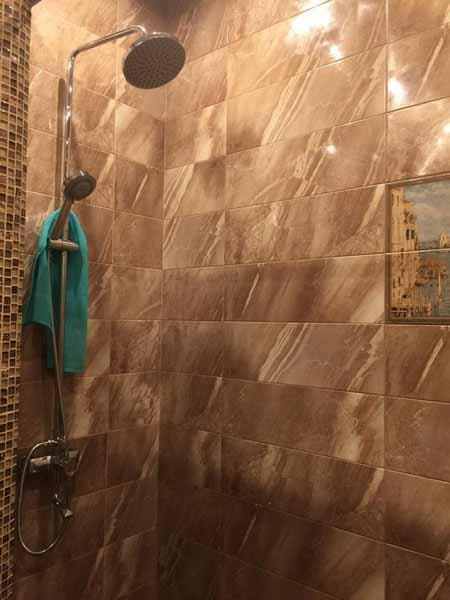 Эта же ванная оказалась душевой кабиной