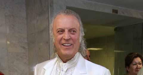 Илья Резник осадил ноющих звезд: «Можно продать квартиру или особняк на Лазурном берегу».