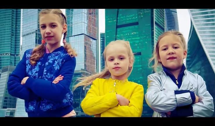 Дочь Виталия занимается певческой карьерой