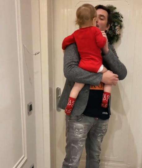 Кузен любит свою дочь