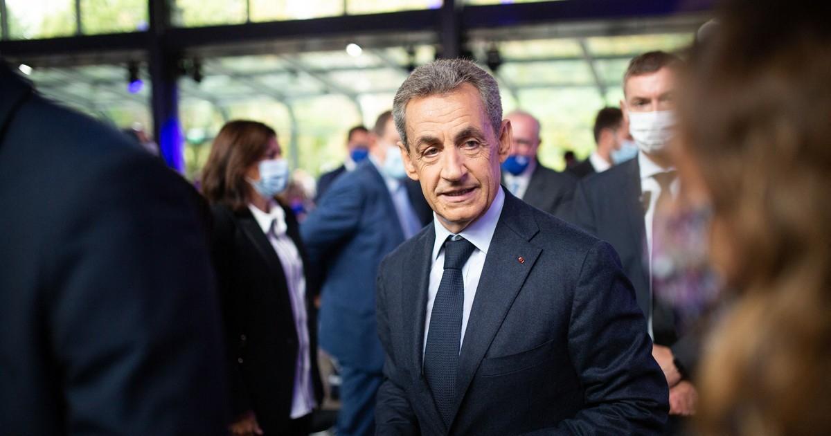 Экс-президент Франции Николя Саркози проведет год в тюрьме