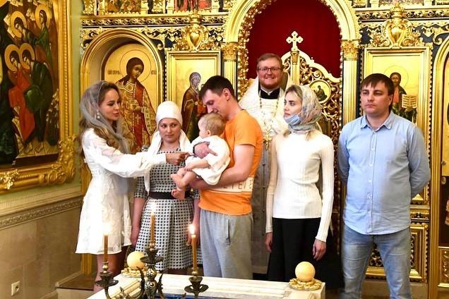 Племянник Пугачевой крестил дочь