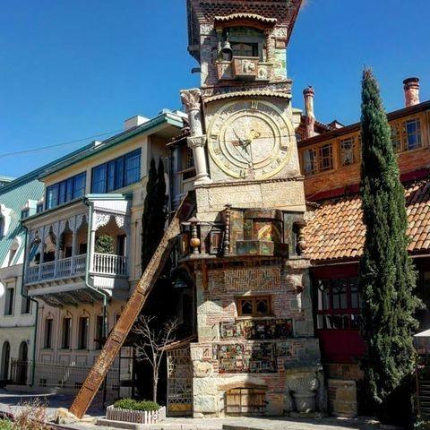 Знаменитый Тбилисский театр кукол, основанный Резо Габриадзе в 1981 году.