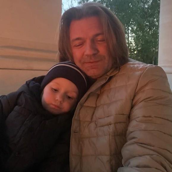 Пока сын Маликова не интересуется музыкой