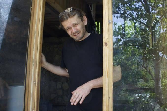 В одном из интервью Макарова рассказала, что отца ее дочери зовут Андрей, и он непубличный человек.