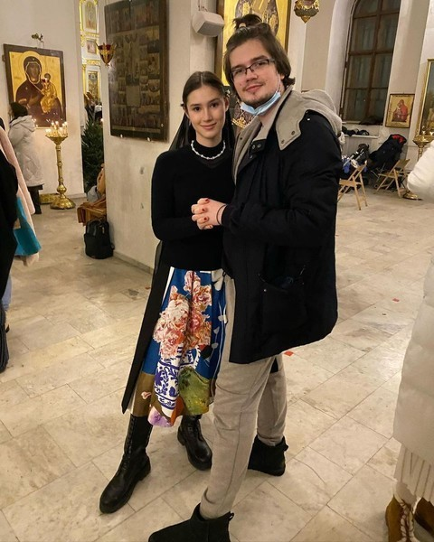 Девушка развелась с Дмитрием в мае этого года.