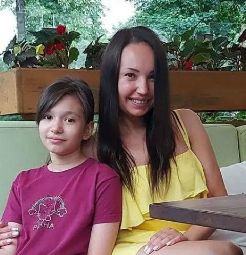 Девушка потеряла мать в прошлом году