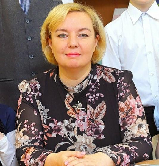 Оксана отстранена от занятий из-за отказа от вакцинации